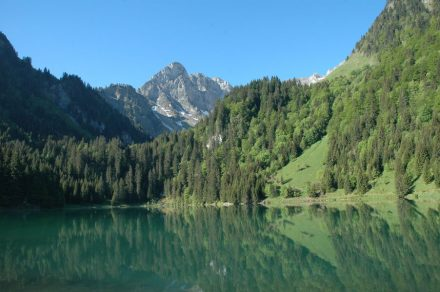 From the Lafe of Plagnes to the lake of Tavaneuse